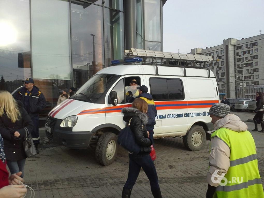 Со смотровой площадки «Высоцкого» сняли еще одного «самоубийцу»
