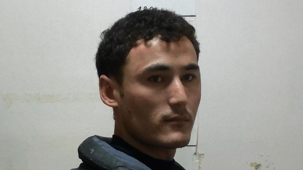 В Екатеринбурге пьяный узбек напал с битой на женщину и пытался ее ограбить