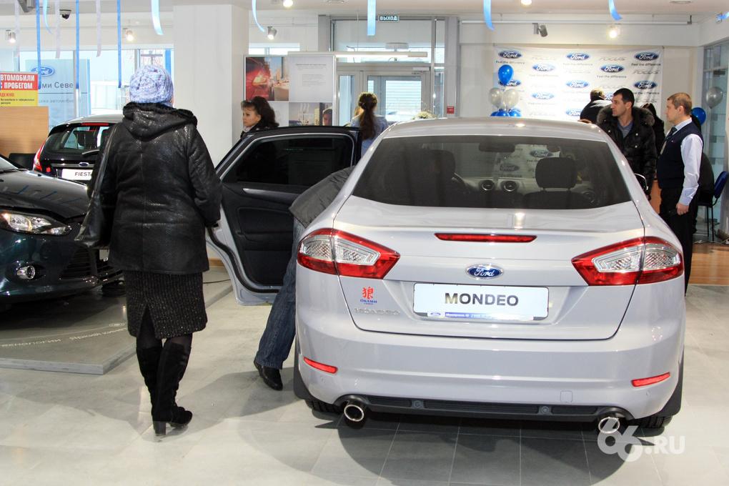 Авторынок Екатеринбурга падает с опережением и перевыполнением