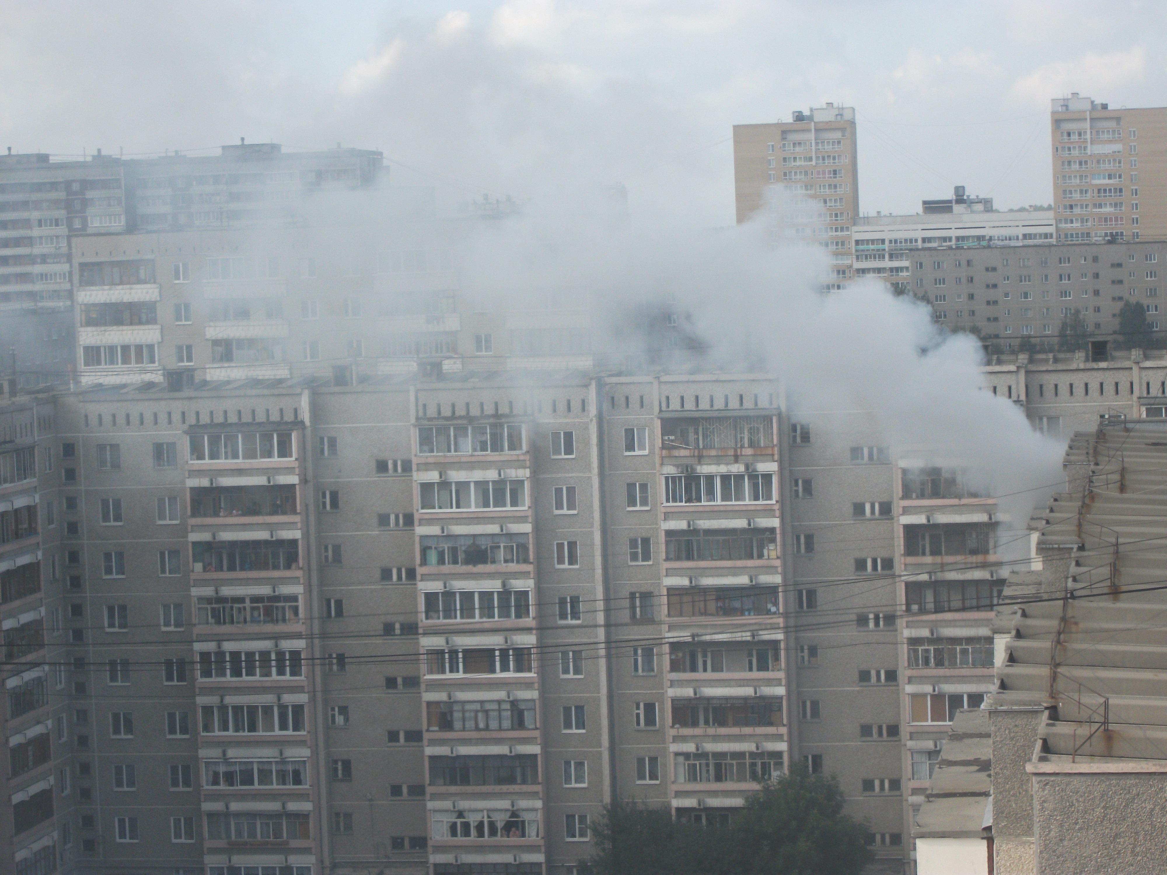 В пожаре на Уралмаше пострадал ребенок