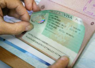 Испания готова временно прекратить выдачу виз россиянам