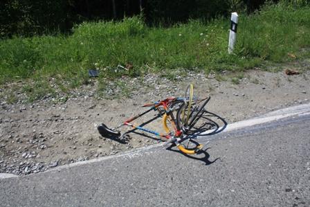 На Серовском тракте иномарка и велосипед не поделили дорогу