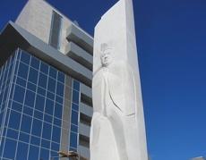 Вокруг памятника Ельцину будет круглосуточно дежурить охрана