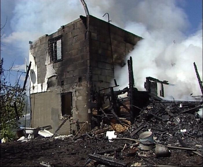 При пожаре в коллективном саду на Эльмаше сгорела собака