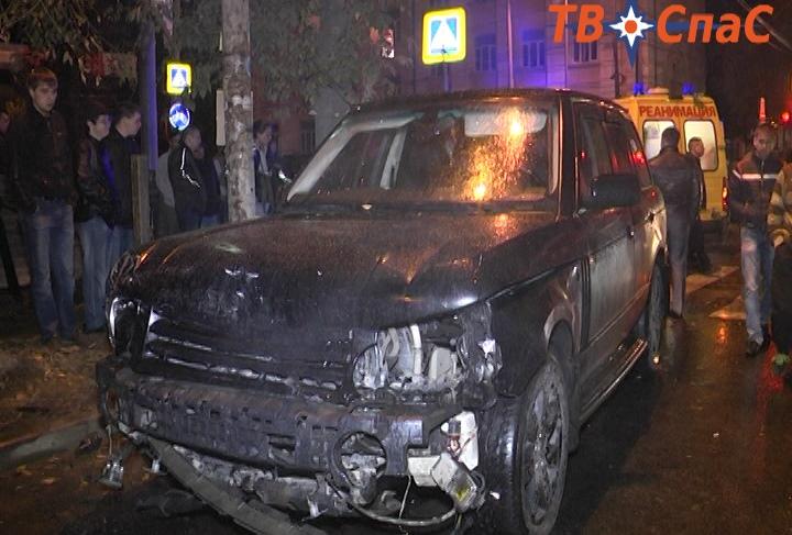 В Екатеринбурге ищут водителя Range Rover, из-за которого погиб человек