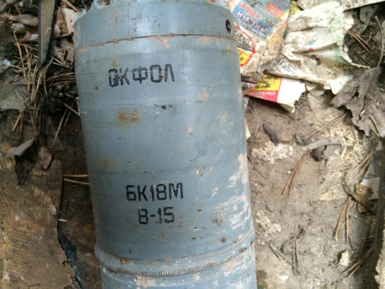 В заброшенном гараже на Вторчермете нашли снаряд