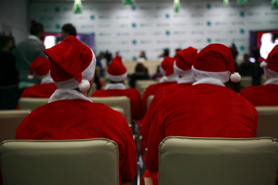 В Екатеринбурге сироты заработают на новогодние подарки детям-инвалидам