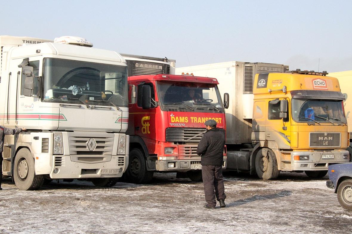В Екатеринбурге водителей грузовиков оштрафовали за испорченный воздух