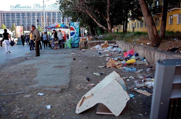 Городские власти чистят вокзал от мусора совещаниями