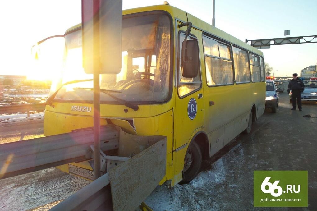 За год в Свердловской области по вине водителей автобусов пострадали 210 человек