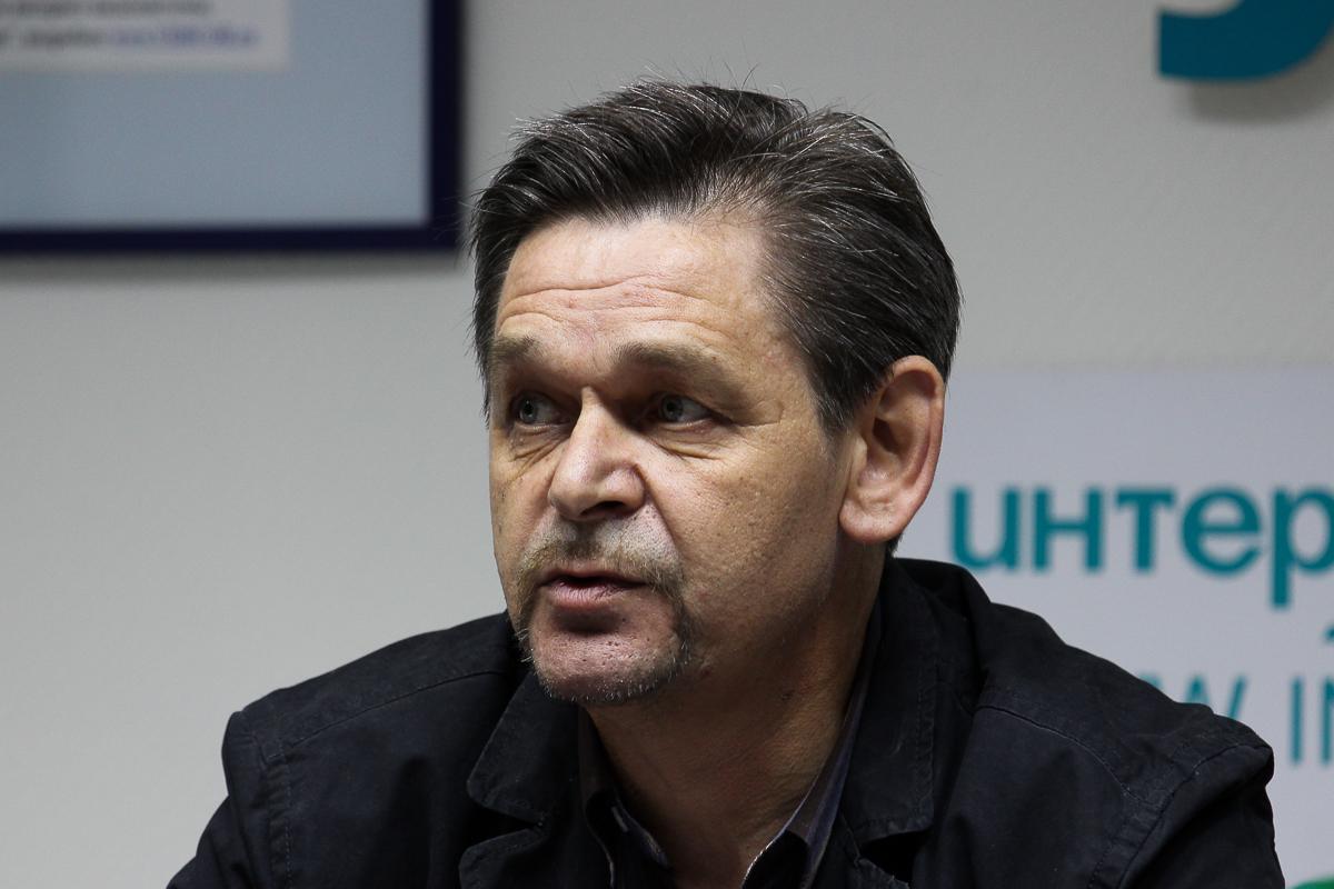 Леонид Гришин: Врачи не хотят в Гари, поэтому на их места едут гастарбайтеры