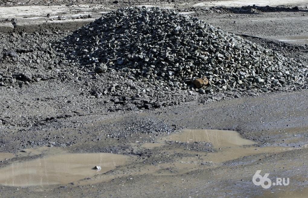 За июль в Екатеринбурге починили 140 000 кв. м дорог