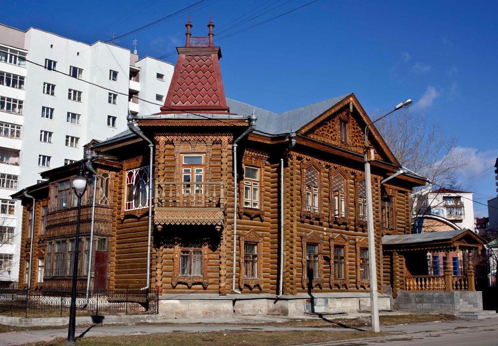В Екатеринбурге «Дом купцов Агафуровых» пострадал от пожара