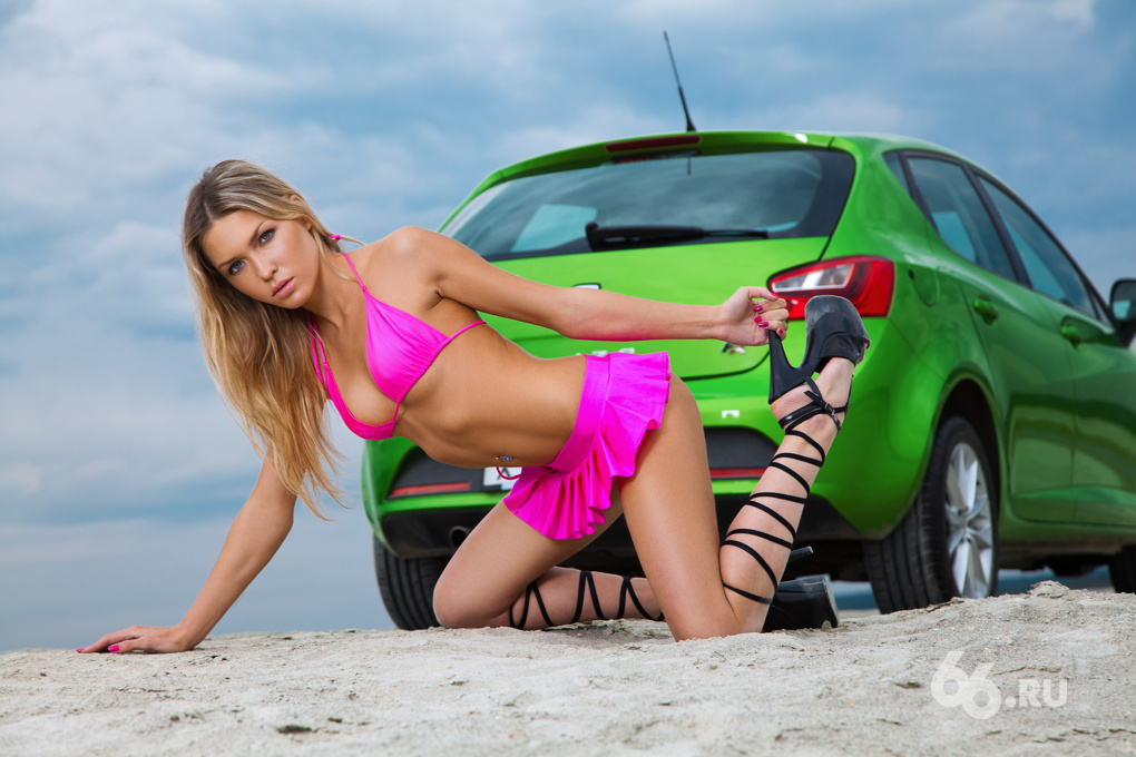 Вопиющая бездуховность: снимаем новую порцию девчонок на SEAT Ibiza FR