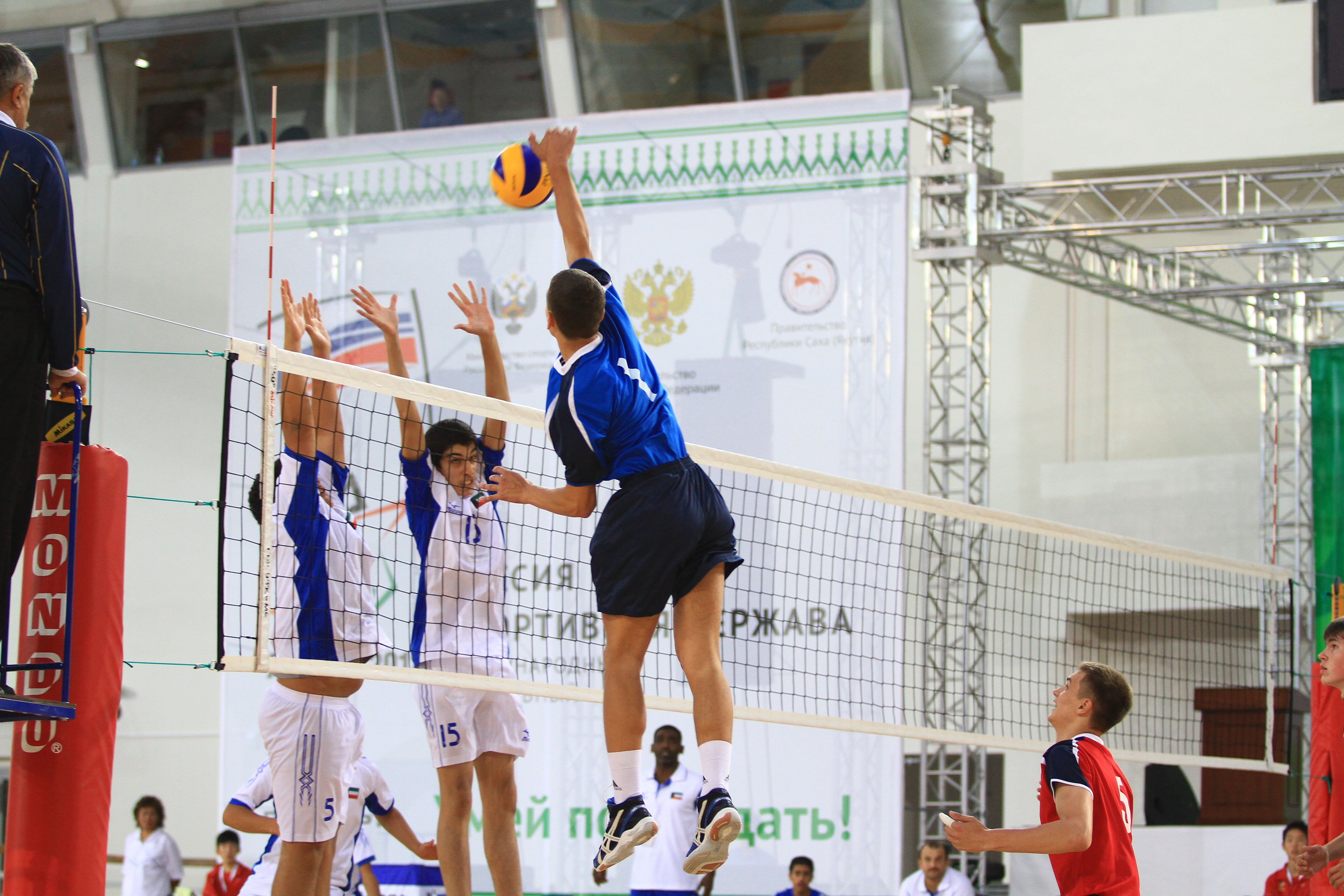 Уральские волейболисты разгромили Кувейт на V Олимпийских играх
