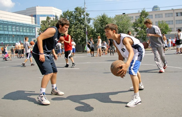 Екатеринбуржцы сыграют в «Оранжевый мяч»