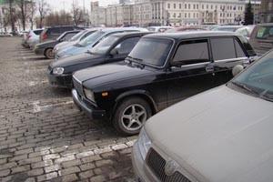 Закрытие парковки на площади 1905 года задерживают на неделю