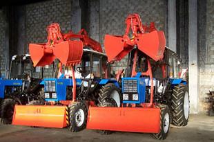 Новые тракторы помогут мэрии Екатеринбурга бороться с сугробами