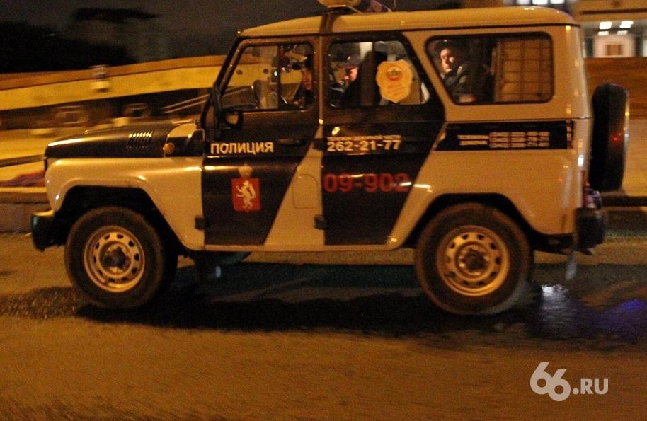 На уралмашевской парковке водителя Hyundai убили прямо в машине