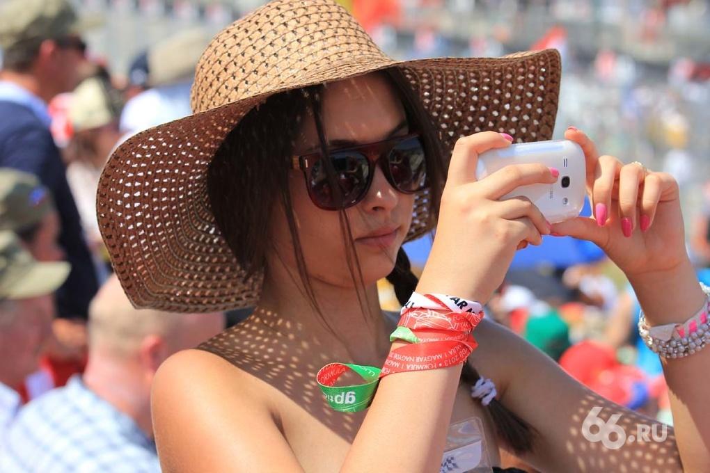 «Девушки «Формулы-1». Вторая партия самых знойных красоток гран-при Венгрии