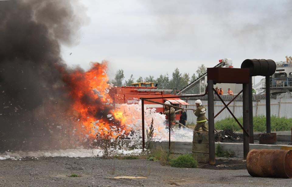 В Кольцово потушили подставной пожар