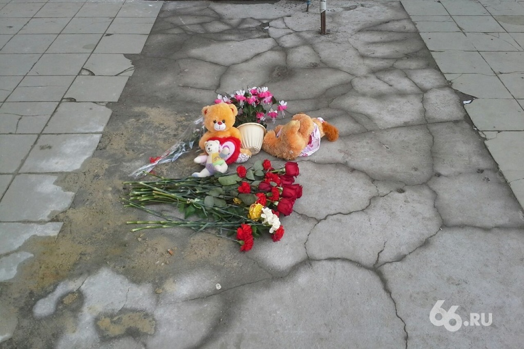 В Тугулыме водитель ВАЗа сбил двух школьниц и оставил их умирать на обочине