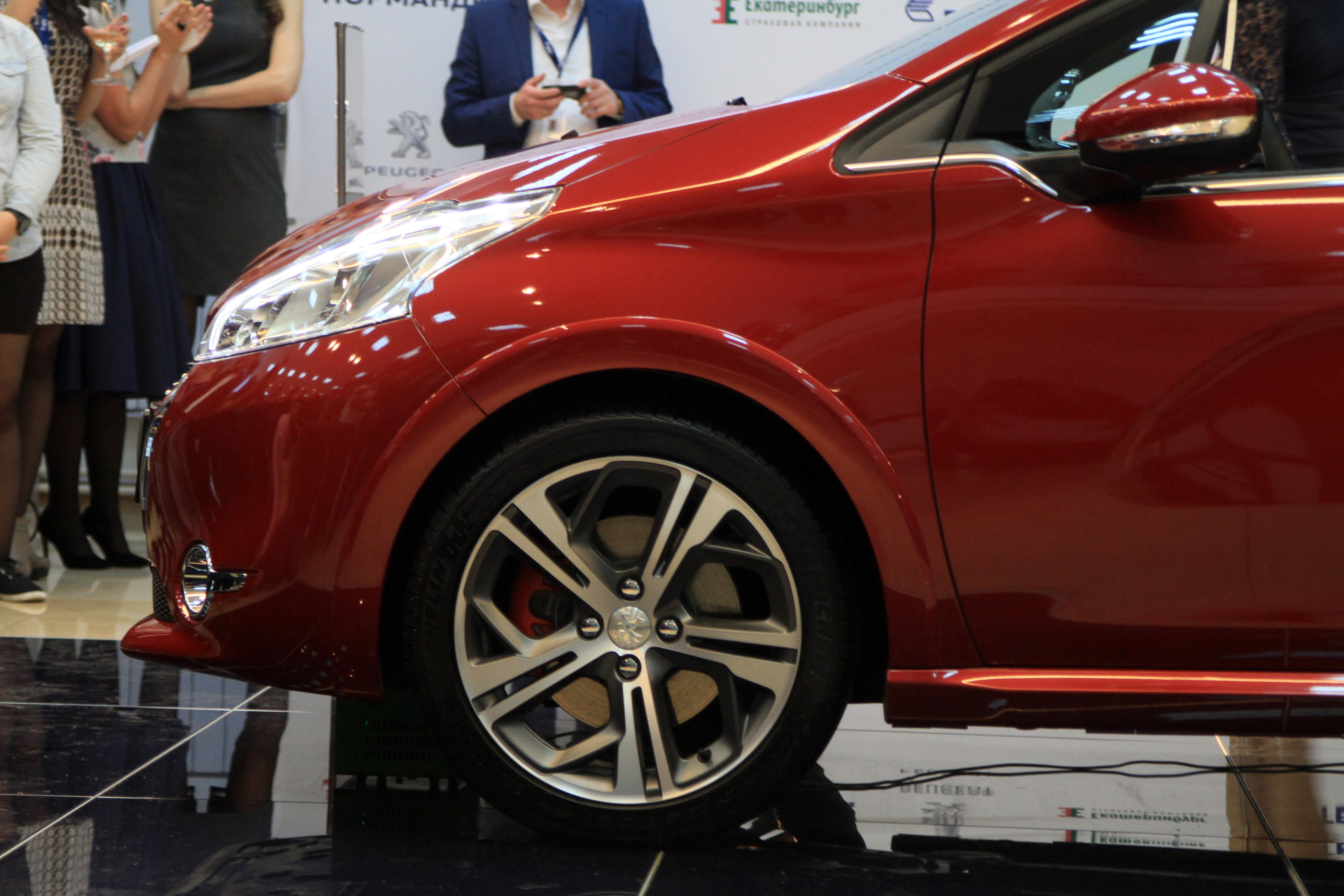 Четвертый скачок: новые машины в Екатеринбурге опять подорожали