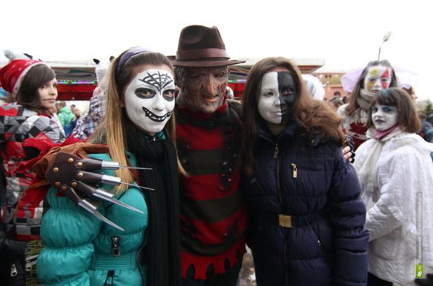 Расходимся, пацаны! Шествие зомби в Екатеринбурге перенесли из-за моряков