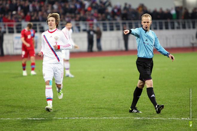 Футбольные фанаты попросят снова привезти сборную России в Екатеринбург