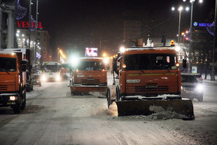Идем на рекорд: из Екатеринбурга вывезли почти 9000 тонн снега