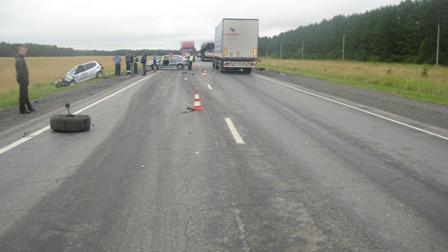 На трассе Екатеринбург — Тюмень столкнулись три иномарки
