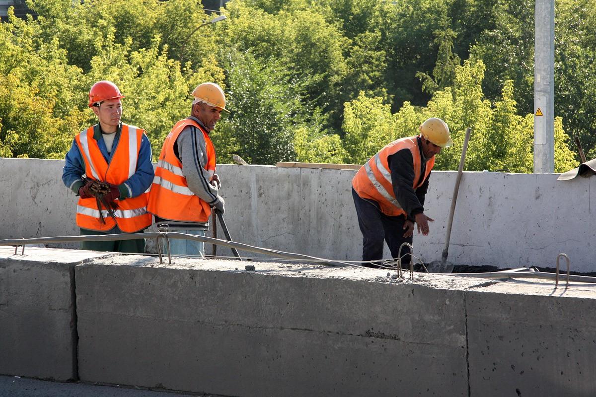 В выходные на дорожный ремонт закрываются три улицы в Екатеринбурге