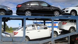 Жительница Екатеринбурга отсудила 300 тыс. рублей у автоломбарда, обманом забравшего ее машину