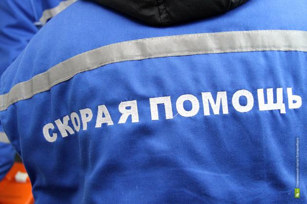 В Михайловске пожилой водитель мопеда врезался в грузовик