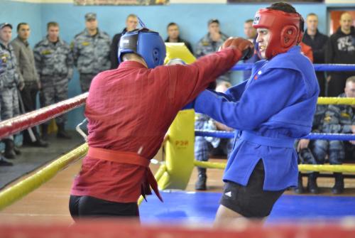 Свердловские омоновцы соревновались в «рукопашке»