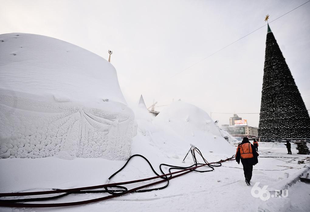 Вход на самую большую горку ледового городка будет бесплатным