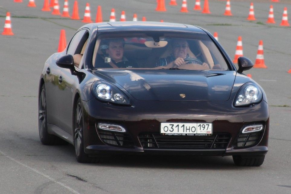 В воскресенье из-за автошоу перекроют улицу Бориса Ельцина