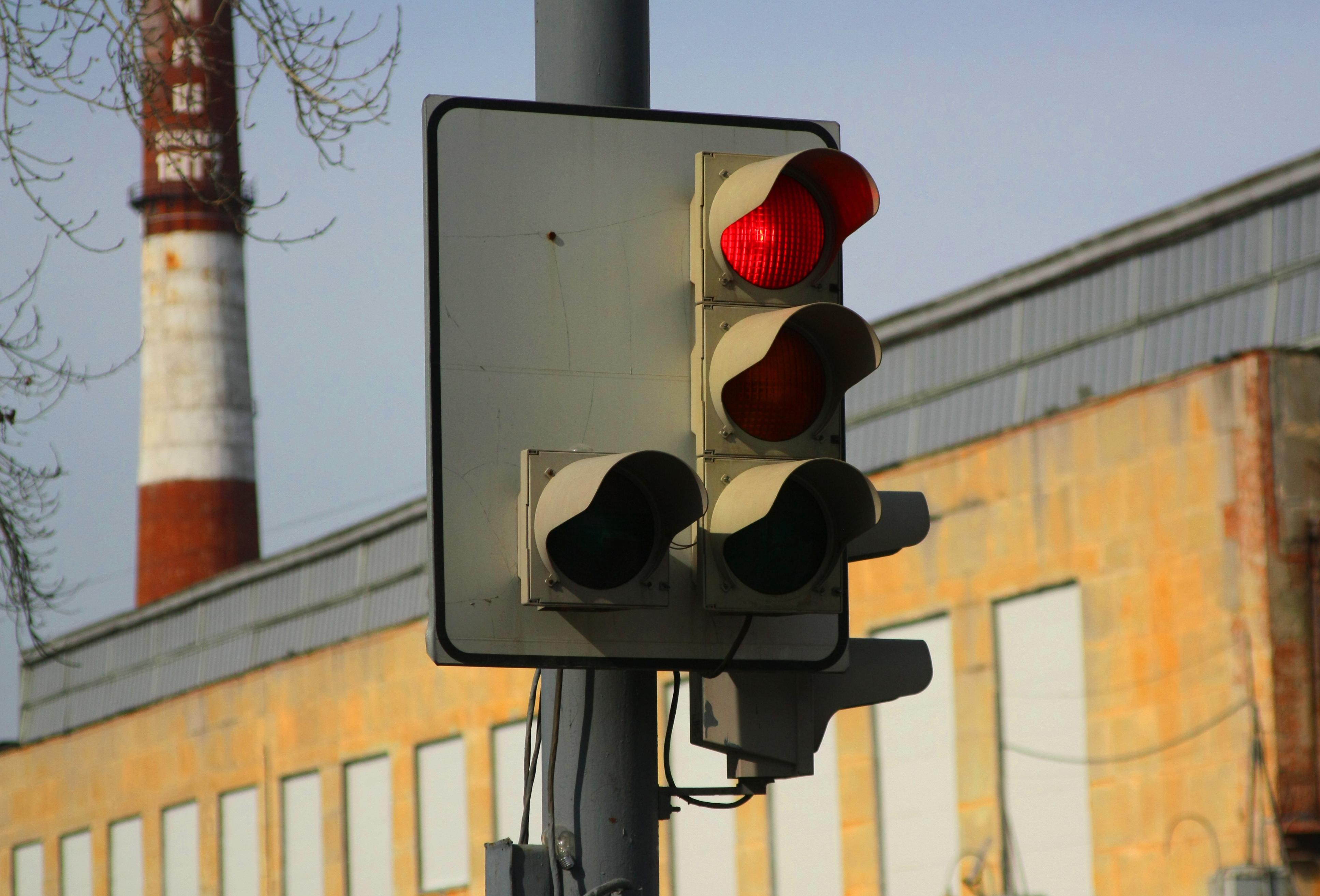 Светофоры Екатеринбурга научат адаптироваться под трафик