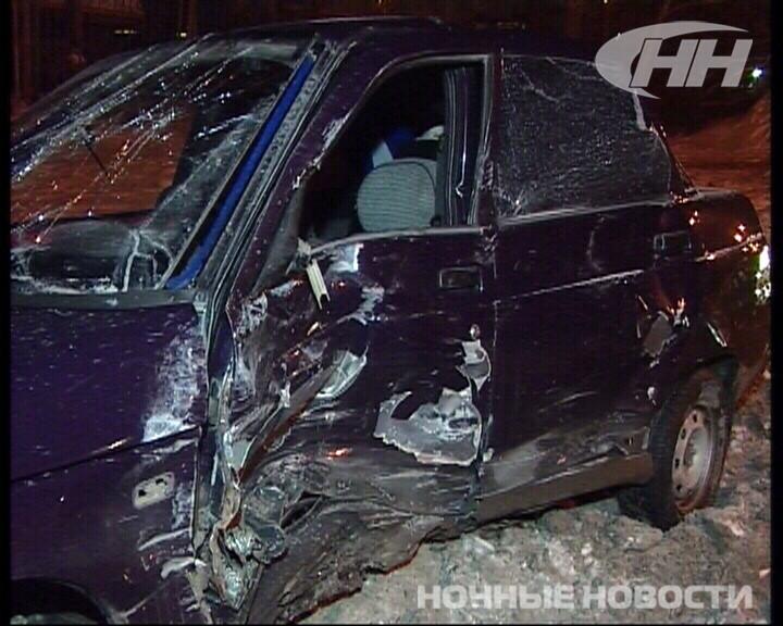 На скользкой Объездной дороге столкнулись три автомобиля