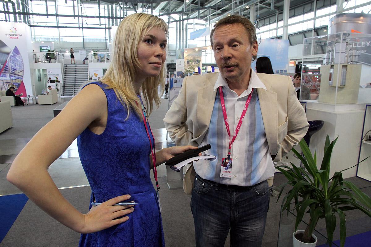 Блондинка на «Иннопроме»: что на самом деле изобрели уральские технари