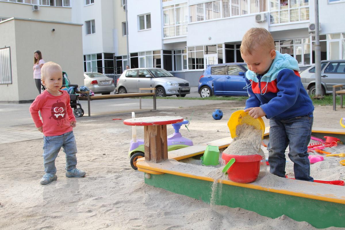 В Екатеринбурге за лето отремонтировали целых 18 дворов