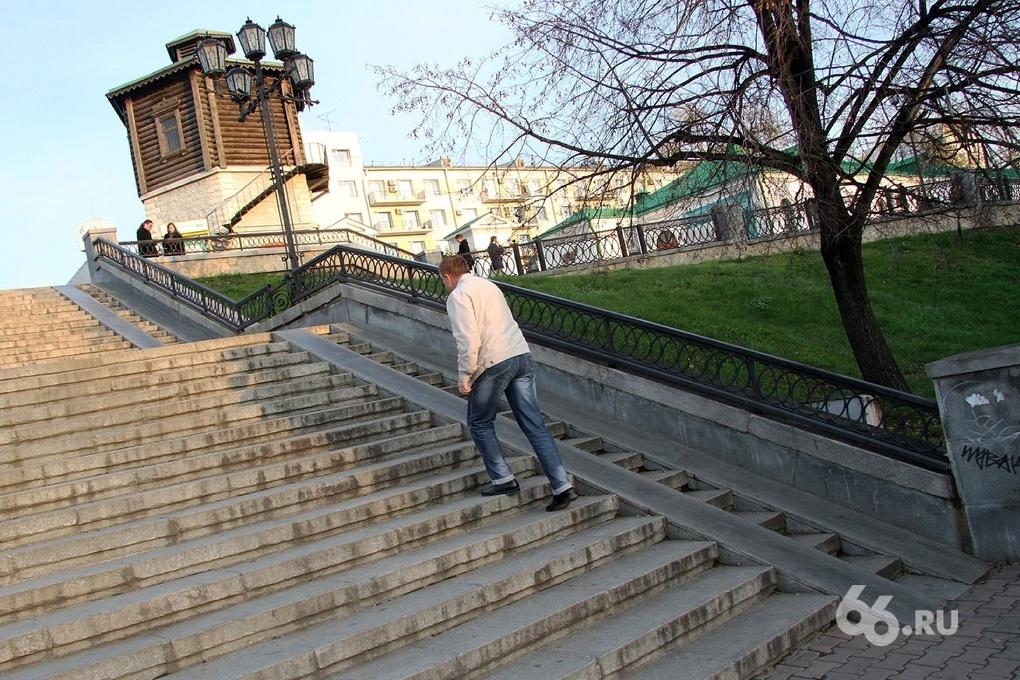 Патриотов России на Плотинке потеснит митинг против мэрии