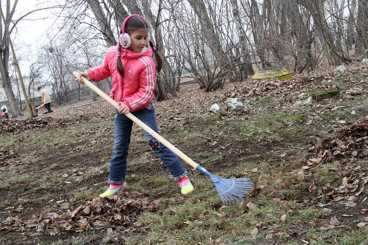 Власти Екатеринбурга объявили апрель месяцем чистоты
