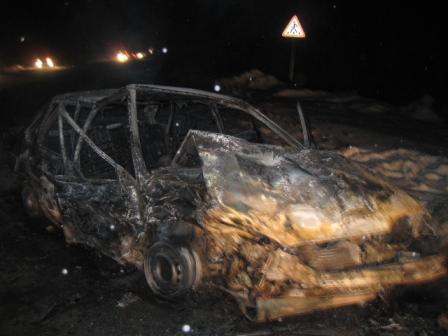 Под Асбестом ВАЗ врезался в Chevrolet и загорелся