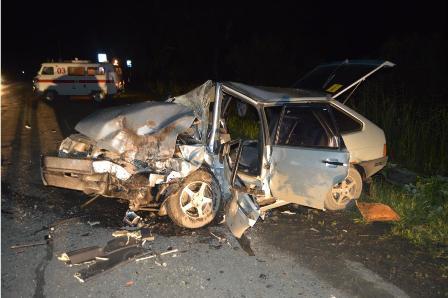 Жуткое ДТП под Ирбитом: водитель вылетел из машины через лобовое стекло