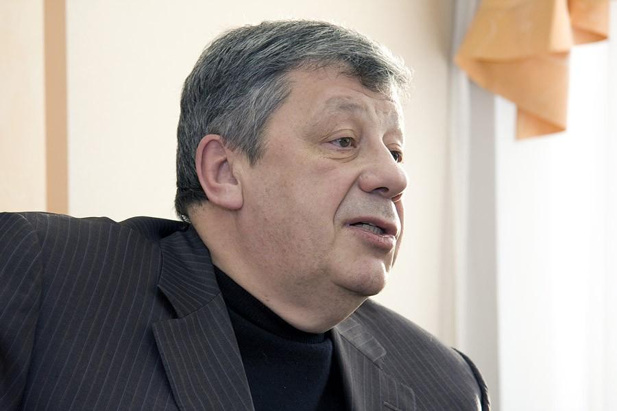 Аркадий Чернецкий: «Проблемы в ЖКХ могут быть опаснее волнений на Болотной»