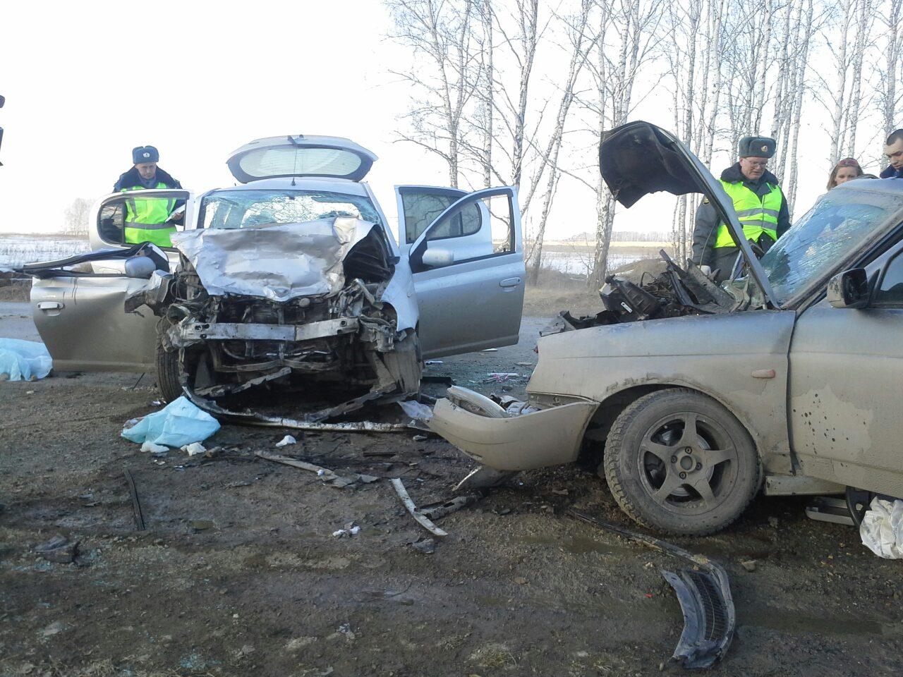 Женщина и младенец погибли в ДТП из-за вылетевшей на встречку Lada Priora