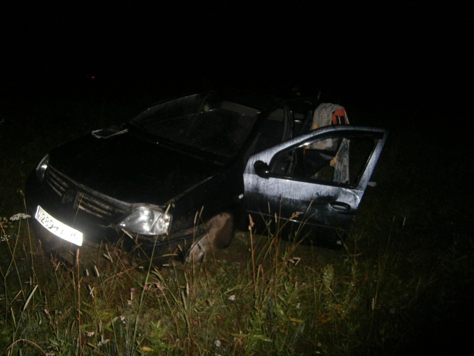 На трассе Первоуральск — Шаля перевернулся автомобиль без водителя