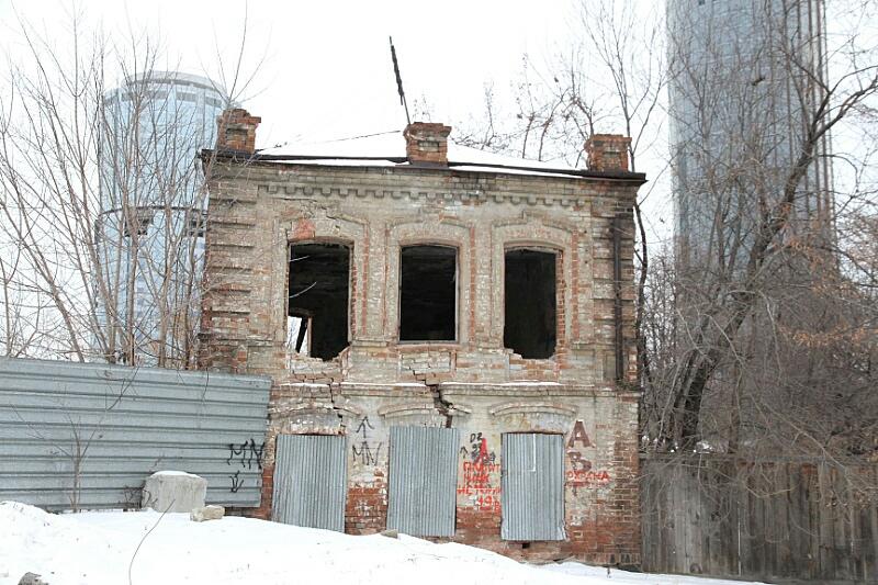 7:4 в пользу развалин: на площадке Екатеринбург-Сити отреставрируют семь старинных домов и снесут четыре