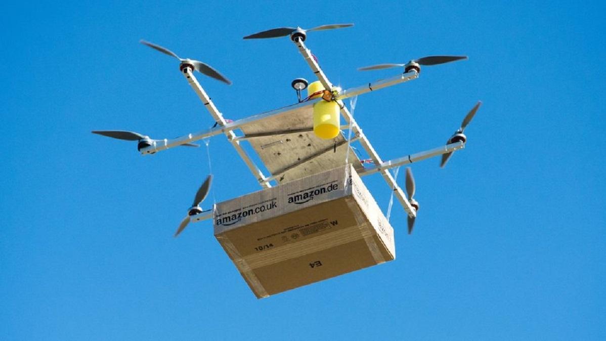 Руководство РФ позволит транспортировку грузов дронами к 2019г.